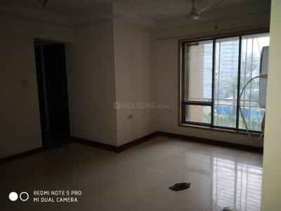 Gallery Cover Image of 950 Sq.ft 2 BHK Apartment for rent in Kandivali West for 32000