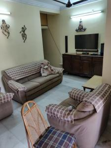 Gallery Cover Image of 1356 Sq.ft 3 BHK Apartment for buy in Bijoygarh for 7500000