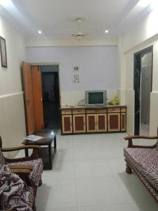 Gallery Cover Image of 630 Sq.ft 1 BHK Apartment for rent in Seawoods for 22600