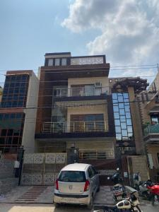 Gallery Cover Image of 1240 Sq.ft 2 BHK Independent Floor for buy in Sector 23A for 15000000