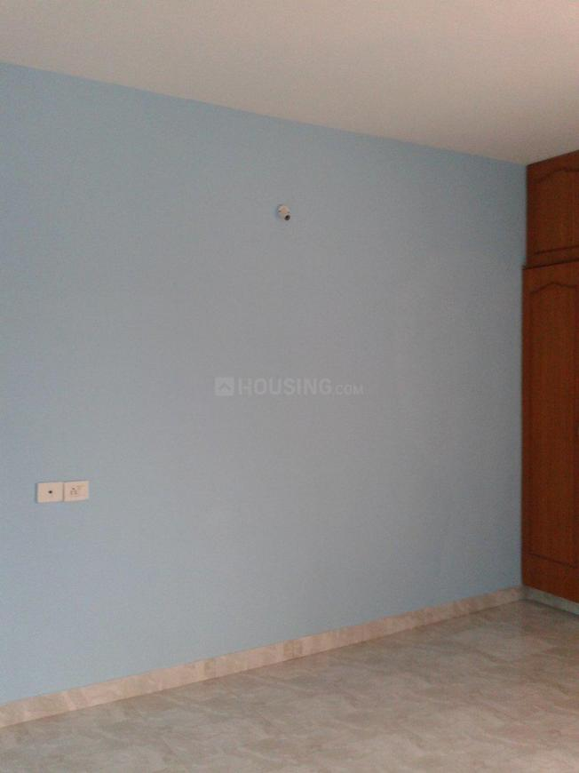 Bedroom Image of 1500 Sq.ft 3 BHK Apartment for rent in Thoraipakkam for 23000