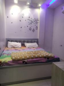 Gallery Cover Image of 1150 Sq.ft 2 BHK Independent Floor for rent in Rajouri Garden for 28000