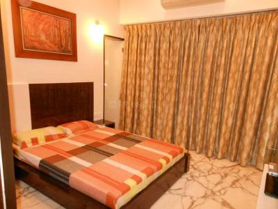 Gallery Cover Image of 1800 Sq.ft 3 BHK Apartment for rent in Lower Parel for 325000