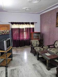 Gallery Cover Image of 980 Sq.ft 2 BHK Apartment for buy in Rajat Vihar, Sector 62A for 5500000