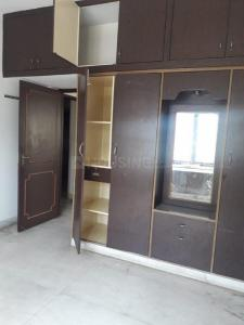 Gallery Cover Image of 2000 Sq.ft 3 BHK Apartment for rent in Kotturpuram for 40000
