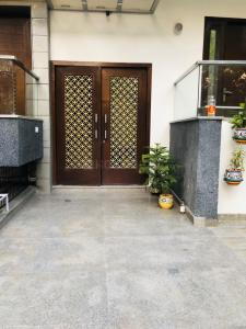 Gallery Cover Image of 1800 Sq.ft 3 BHK Independent Floor for buy in DLF Phase 1, DLF Phase 1 for 14900000