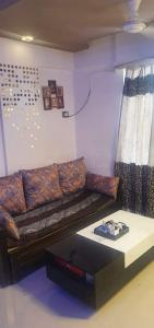 Gallery Cover Image of 600 Sq.ft 1 BHK Apartment for buy in Daffodil, Thane West for 5500000