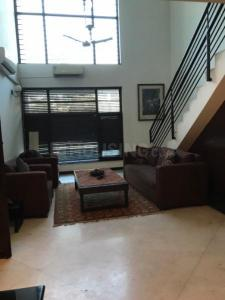 Gallery Cover Image of 2100 Sq.ft 3 BHK Independent Floor for rent in New Friends Colony for 80000