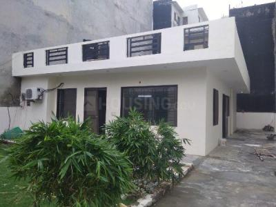 Gallery Cover Image of 3000 Sq.ft 2 BHK Independent House for rent in Sector 72 for 15000