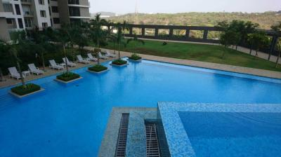 Gallery Cover Image of 1300 Sq.ft 2 BHK Apartment for rent in Goregaon East for 70000