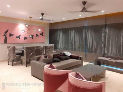 Gallery Cover Image of 1800 Sq.ft 3 BHK Apartment for rent in Goregaon East for 200000