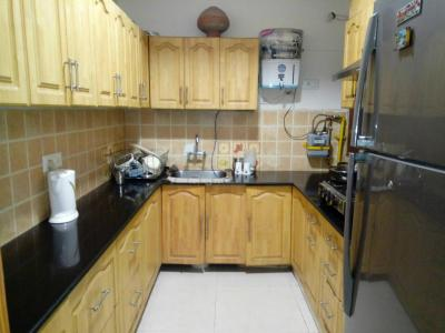 Gallery Cover Image of 2000 Sq.ft 3 BHK Apartment for rent in Sector 9 Dwarka for 30000