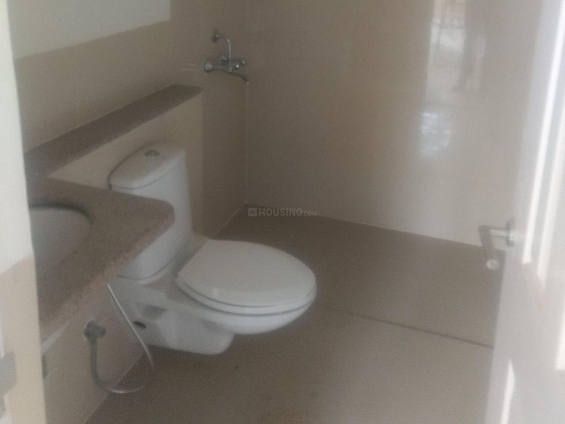 Common Bathroom Image of 1500 Sq.ft 3 BHK Independent House for rent in Sector 49 for 30000