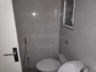 Bathroom Image of 825 Sq.ft 2 BHK Apartment for rent in Bramha Corp Avenue, Kondhwa for 16000
