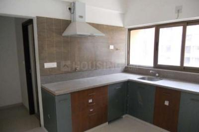 Gallery Cover Image of 2100 Sq.ft 3 BHK Apartment for rent in Satellite for 27000