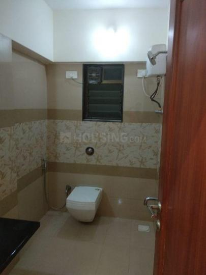 सांताक्रुज़ ईस्ट में गुरदीप प्रॉपर्टी के बाथरूम की तस्वीर
