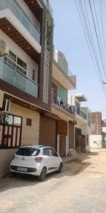 Gallery Cover Image of 2600 Sq.ft 4 BHK Independent House for buy in Maruti Kunj for 6000000