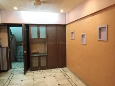 Gallery Cover Image of 550 Sq.ft 1 BHK Apartment for rent in Malad West for 18000