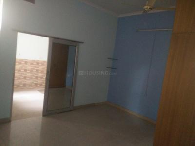 Gallery Cover Image of 900 Sq.ft 2 BHK Independent Floor for rent in Sector 37 for 16000