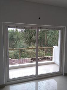 Gallery Cover Image of 1055 Sq.ft 2 BHK Apartment for buy in Shabari SS South Crest, Bommasandra for 4200000
