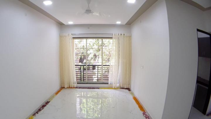 Hall Image of 685 Sq.ft 1 BHK Apartment for buy in RNA NG N G Tivoli Phase I, Mira Road East for 5435412