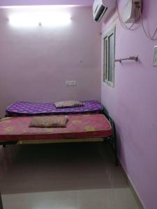 Bedroom Image of Dhanam Ladies Hostel in Egmore