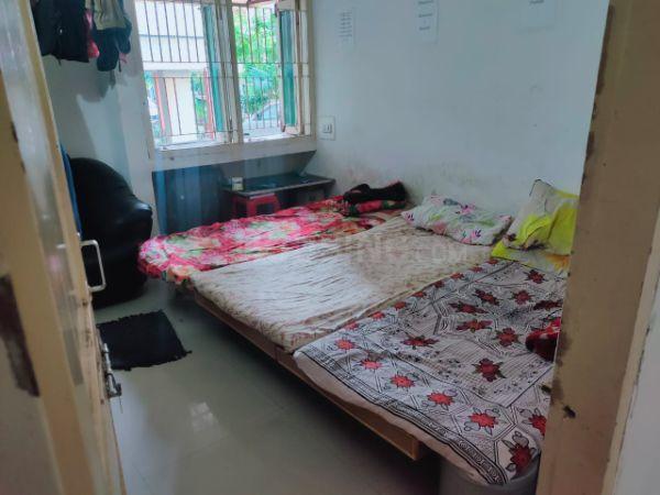 नवरंगपुरा में अपना पीजी अकॉमोडेशन के बेडरूम की तस्वीर