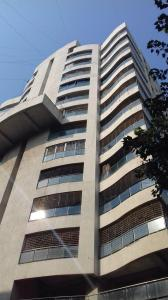 Gallery Cover Image of 1800 Sq.ft 3 BHK Apartment for rent in Juhu for 145000