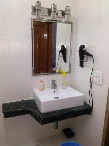 Bathroom Image of PG 7419404 Patel Nagar in Patel Nagar