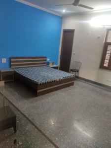 Gallery Cover Image of 1600 Sq.ft 3 BHK Apartment for rent in Sector 28 for 18500