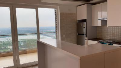 Gallery Cover Image of 1660 Sq.ft 3 BHK Apartment for rent in Supertech Supernova, Sector 94 for 35001