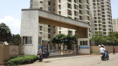 Gallery Cover Image of 1300 Sq.ft 3 BHK Apartment for rent in Thane West for 29000