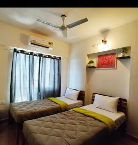 Bedroom Image of PG 4441897 Malad East in Malad East