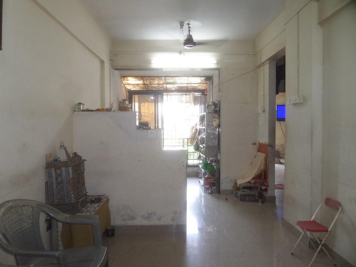 Living Room Image of 800 Sq.ft 2 BHK Apartment for buy in Kalyan West for 5200000