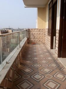 Gallery Cover Image of 1600 Sq.ft 3 BHK Independent Floor for rent in Sector 43 for 17000