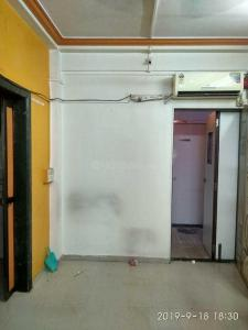 Gallery Cover Image of 200 Sq.ft 1 RK Apartment for rent in Malad West for 10000