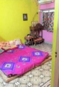 Gallery Cover Image of 930 Sq.ft 2 BHK Apartment for rent in Lake Town for 20000