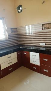 Gallery Cover Image of 1200 Sq.ft 2 BHK Apartment for rent in SriNagar Colony for 18000