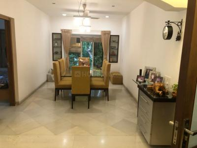 Gallery Cover Image of 1500 Sq.ft 3 BHK Apartment for rent in Nakshatra Apartments, Bandra West for 200000