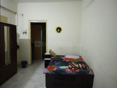 Gallery Cover Image of 250 Sq.ft 1 RK Apartment for rent in Bandra West for 35000