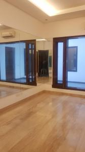 Gallery Cover Image of 1350 Sq.ft 3 BHK Independent Floor for buy in Defence Colony for 64500000