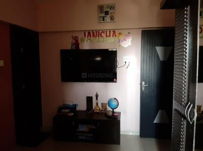 Gallery Cover Image of 650 Sq.ft 1 BHK Apartment for rent in Kandivali East for 28500