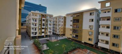 Gallery Cover Image of 1340 Sq.ft 2 BHK Apartment for buy in Srusti Symphony, Kondapur for 9112000