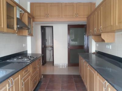 Gallery Cover Image of 2000 Sq.ft 3 BHK Apartment for rent in Rest House Apartments, Ashok Nagar for 60000