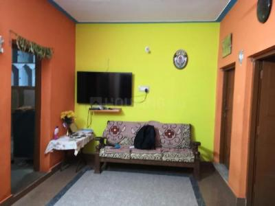 Gallery Cover Image of 800 Sq.ft 2 BHK Apartment for rent in Beliaghata for 12800