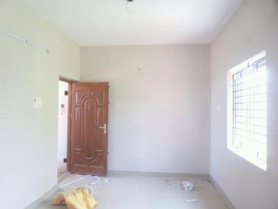 Gallery Cover Image of 600 Sq.ft 2 BHK Apartment for rent in Porur for 8000
