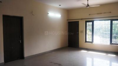 Gallery Cover Image of 1500 Sq.ft 3 BHK Apartment for rent in Sector 122 for 19000
