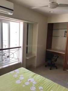 Gallery Cover Image of 652 Sq.ft 1 BHK Apartment for rent in Colaba for 70000