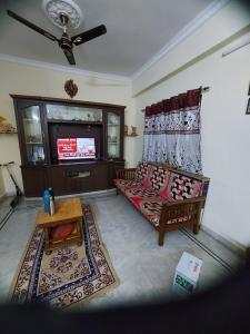 Gallery Cover Image of 1250 Sq.ft 2 BHK Apartment for rent in Pragathi Nagar for 16000