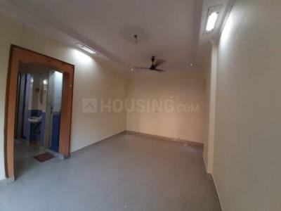 Gallery Cover Image of 525 Sq.ft 1 BHK Apartment for rent in Lokhandwala Spring Leaf, Kandivali East for 18000